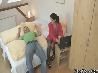 juvenile dark brown surfs porn on the web and dad