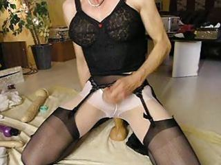 cumming over darksome nylons
