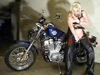 leanne-biker spruce