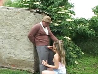 old stud fuck gal in the garden...usb
