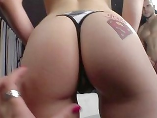 scorching sexy brooke lynn stuffs her throat with