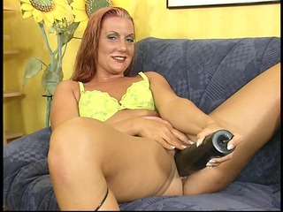 this hotty can her muff stretched - dbm clip