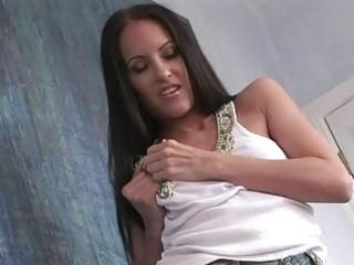 breasty dark brown in white belt uncovering her