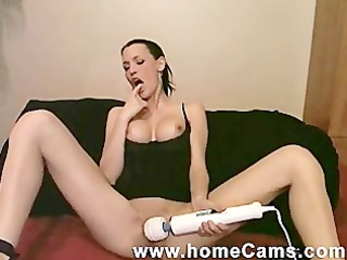 wench puts sextoy unfathomable in her wazoo on