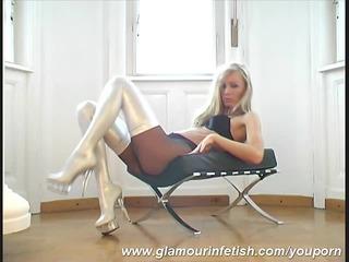 pornstar sophie hawt stripping