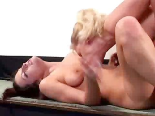 d like to fuck playing with lesbian babes
