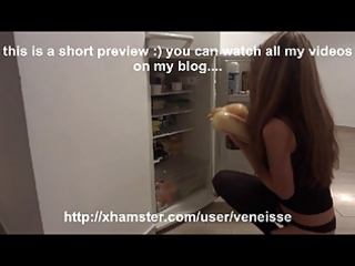 veneisse bizzarre insertions with 6 apples and