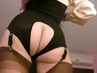 d like to fuck hotties in nylons in softcore
