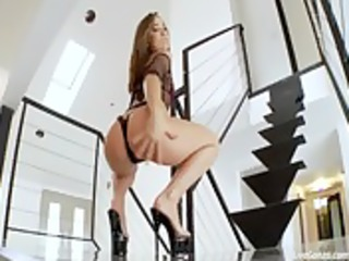 livegonzo kristina rose beauty next door