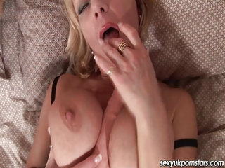 british older pornstar jane bond enjoys her