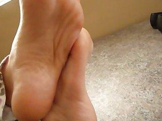 worship feet instruction