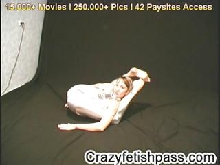pliant elza undresses for flexiangels.com