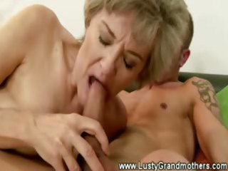 older granny snatch sucked after giving oral