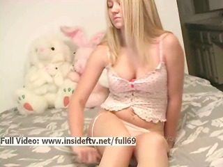 alison _ dilettante blond playing with her hawt