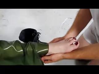 lickclean my wifes obscene feet