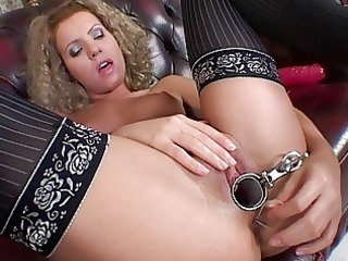 slutty sweetheart in nylons uses speculum