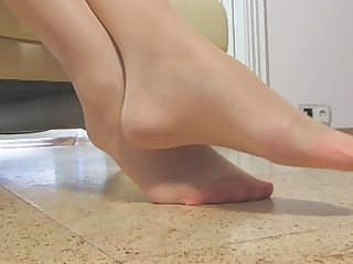fine woman admirable nylonfeet 49