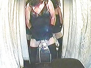 crossdressers jerk off in the dressing room
