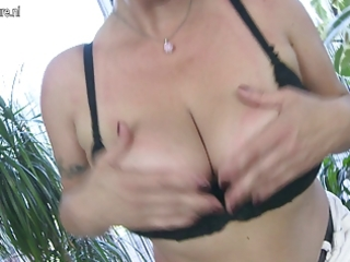 large breasted d like to fuck playing with herself