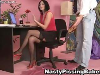 Slut in stockings gets pissed in her part2
