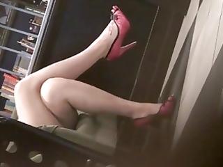 candid hawt crossed legs 4. hot! (+slow motion)