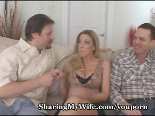 engulfing mommas cum-hole love button