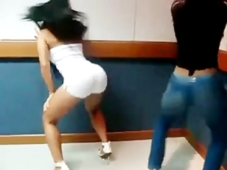 priscilla and carolina arse shaking