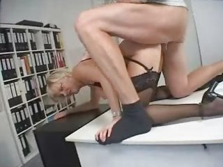 blond d like to fuck secretary drilled