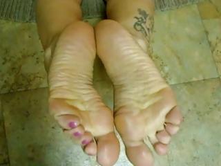 wrinkled soles