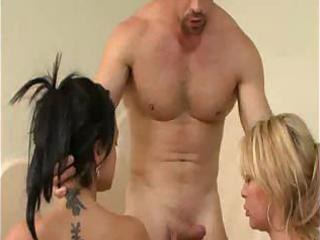 party in washroom turns threesome!