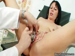 lustful housewife getting her old moist slit