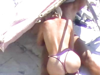 hot blond beach bj spycamed