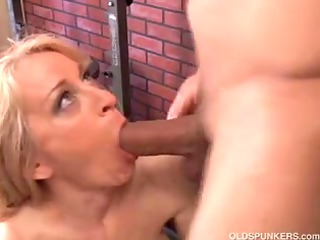 delightful cougar can to fuck