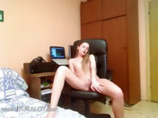 russian sweetheart finger for a liveshow