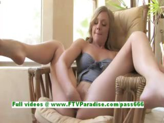 drew excited blond chick fingerng and fisting