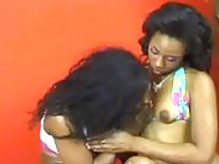 putinha linda - www.arquivosexual.com