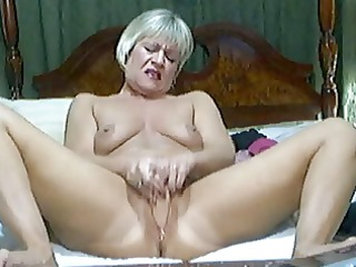hawt blond aged on livecam 1
