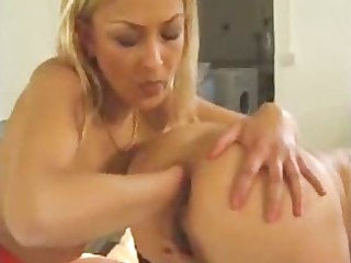 anal fisting lesbos